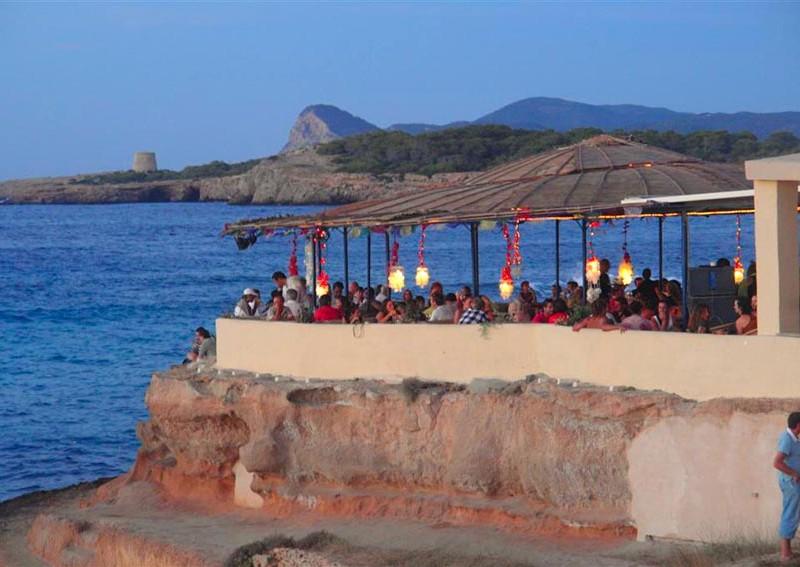 ibiza, la ruta de los mercadillos - ibiza 800x567 - Ibiza, la ruta de los mercadillos