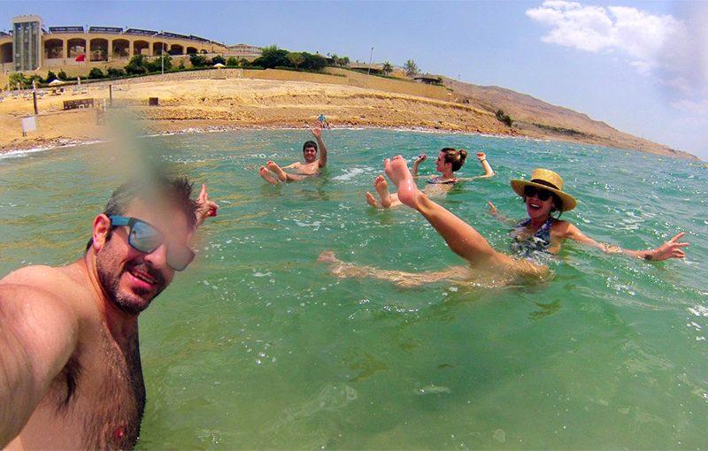 flotar en el mar muerto de jordania mar muerto - Mar Muerto Jordania Portada 800x510 - ¿ Qué se siente al flotar en el Mar Muerto ?