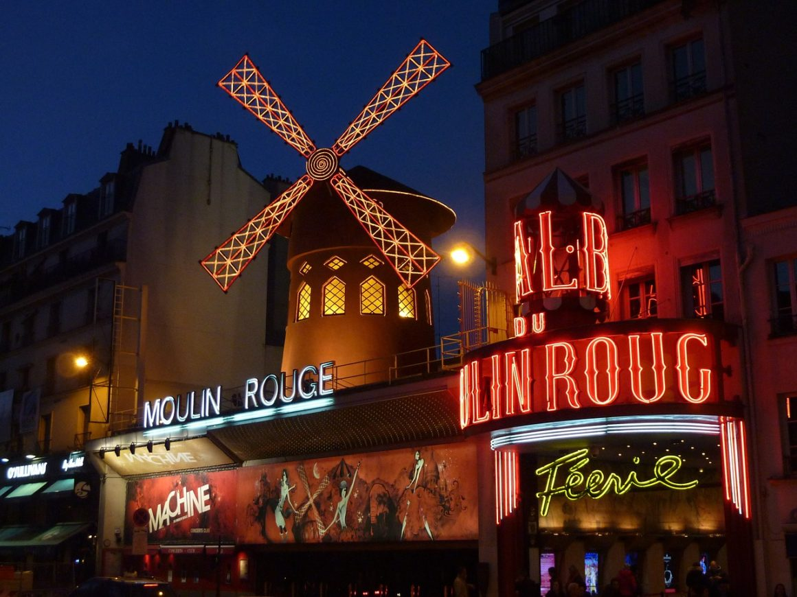 paris in a weekend - moulin rouge 392147 1280 1160x870 - What to see in Paris in a weekend ?