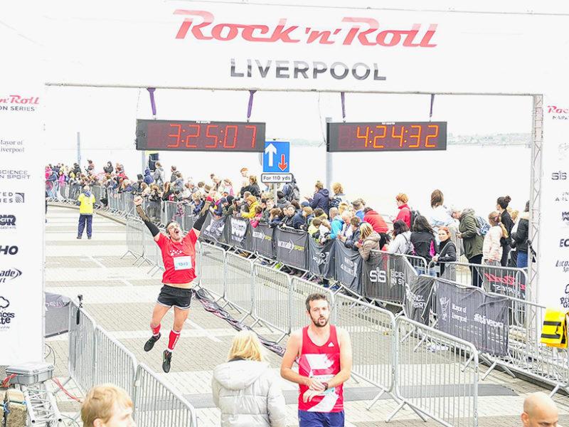 Maratón de Liverpool maratón de liverpool - maraton de liverpool thewotme rock and roll 800x600 - Maratón de Liverpool: análisis, recorrido, entrenamiento y recomendaciones de viaje