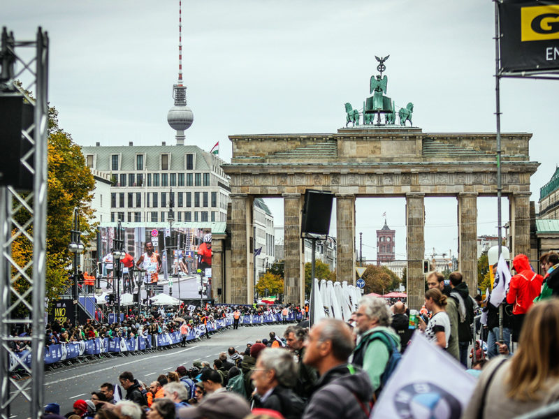 maratón de berlín - correr el marat  n de berl  n berlin marathon course record thewotme sorteo 800x600 - Correr el Maratón de Berlín: Análisis, recorrido, entrenamiento e inscripciones
